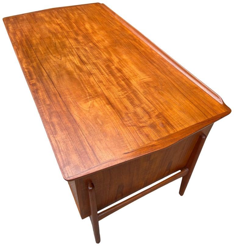 Mid-Century Modern Teak Desk Designed by Svend Aage Madsen For Sale 5