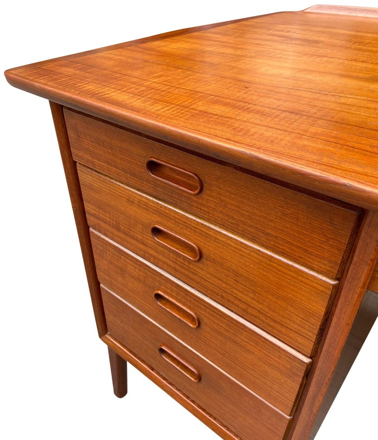 Mid-Century Modern Teak Desk Designed by Svend Aage Madsen For Sale 6
