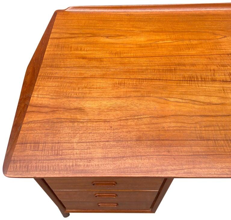 Mid-Century Modern Teak Desk Designed by Svend Aage Madsen For Sale 7