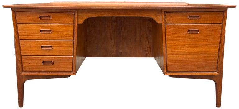 20th Century Mid-Century Modern Teak Desk Designed by Svend Aage Madsen For Sale