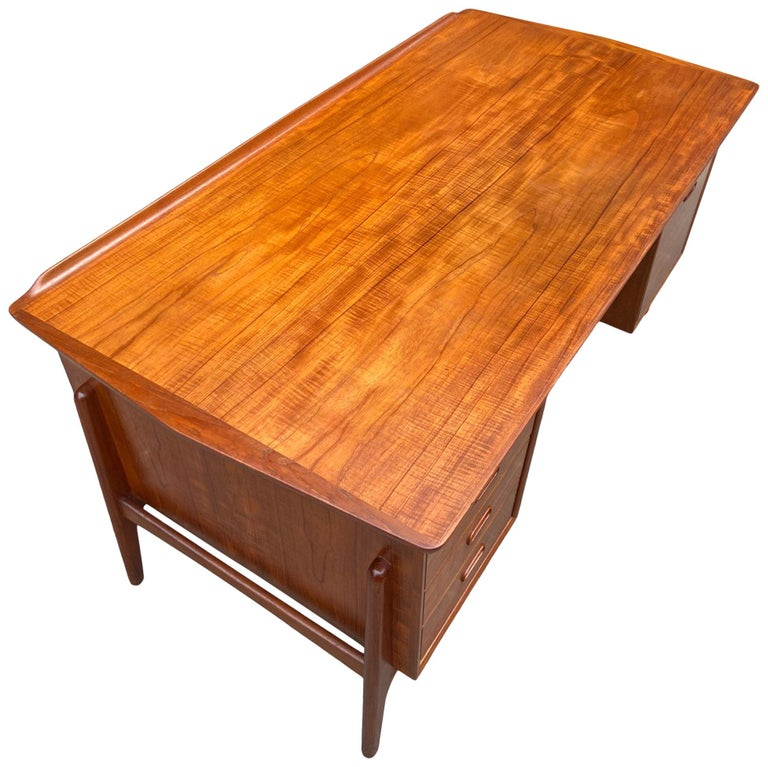 Mid-Century Modern Teak Desk Designed by Svend Aage Madsen For Sale 2