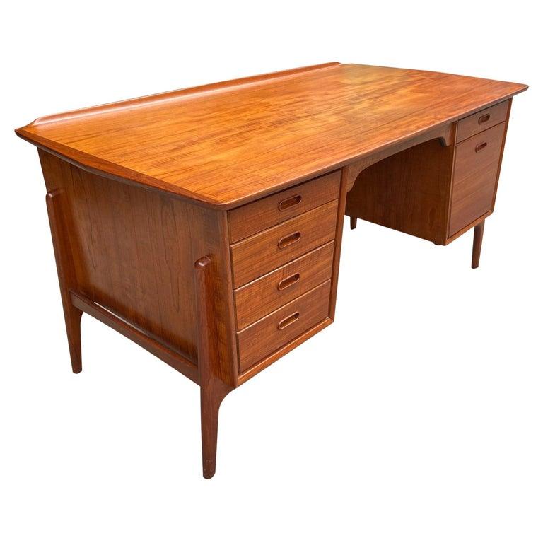 Mid-Century Modern Teak Desk Designed by Svend Aage Madsen For Sale