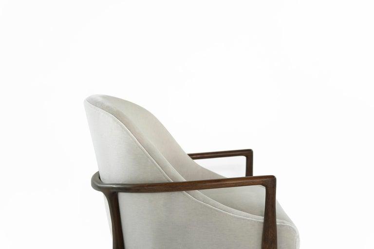 Mid-Century Modern Walnut Lounge Chairs, circa 1950s For Sale 5
