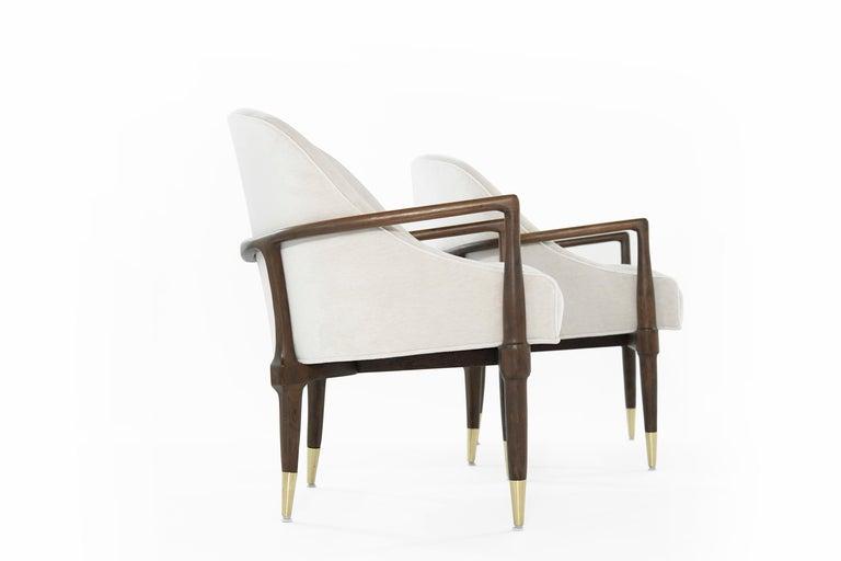 Mid-Century Modern Walnut Lounge Chairs, circa 1950s For Sale 3