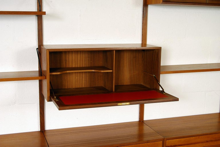 Midcentury Modular Danish Royal System Teak Wall Unit Shelving by Poul Cadovius  For Sale 5