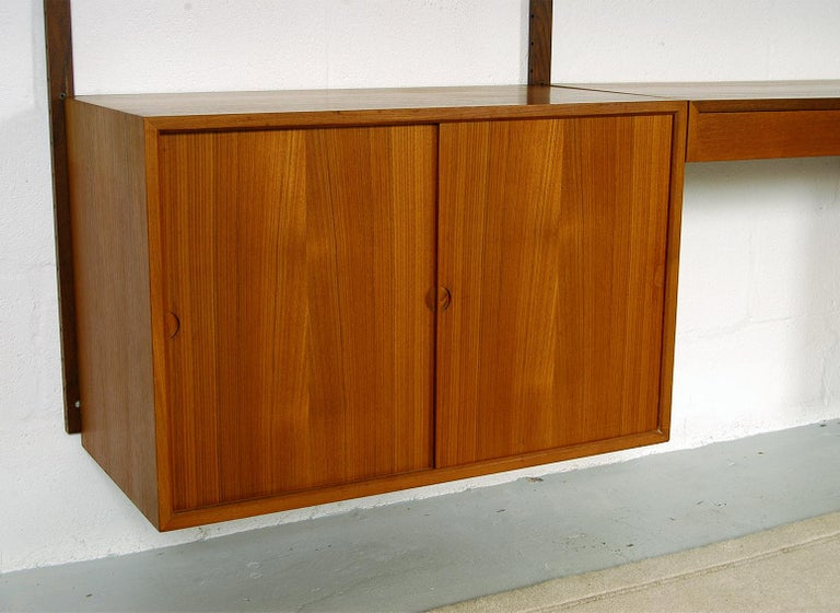Midcentury Modular Danish Royal System Teak Wall Unit Shelving by Poul Cadovius  For Sale 7