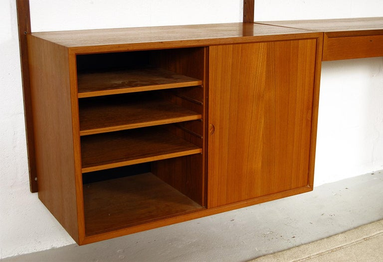 Midcentury Modular Danish Royal System Teak Wall Unit Shelving by Poul Cadovius  For Sale 8