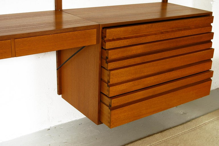 Midcentury Modular Danish Royal System Teak Wall Unit Shelving by Poul Cadovius  For Sale 10