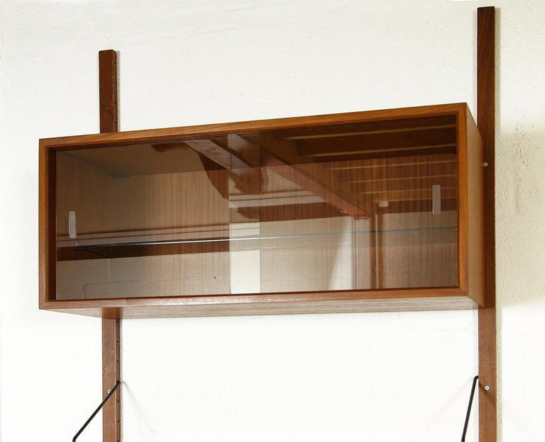 Midcentury Modular Danish Royal System Teak Wall Unit Shelving by Poul Cadovius  For Sale 2