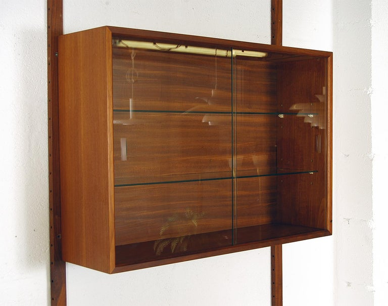 Midcentury Modular Danish Royal System Teak Wall Unit Shelving by Poul Cadovius  For Sale 3