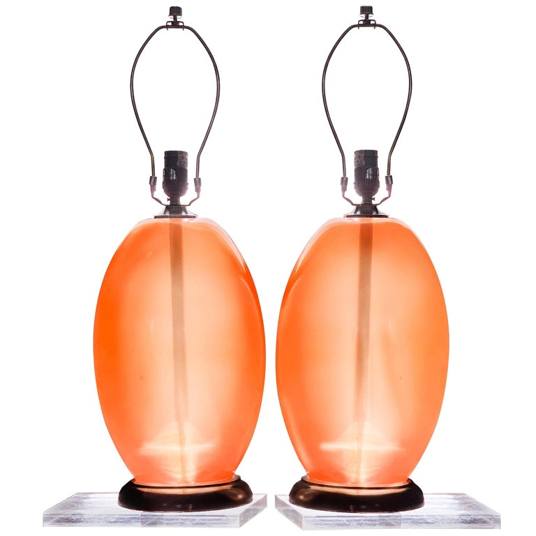 Modern Peach Lucite Midcentury Monumental  Sculptural Egg Form Table Lamp For Sale