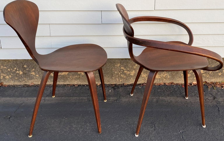 Mid-Century Modern Midcentury Norman Cherner Round Table and 5 Pretzel Bentwood Chairs for Plycraft For Sale