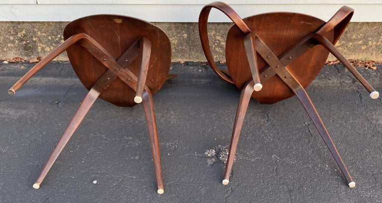 Midcentury Norman Cherner Round Table and 5 Pretzel Bentwood Chairs for Plycraft In Good Condition For Sale In Milford, NH
