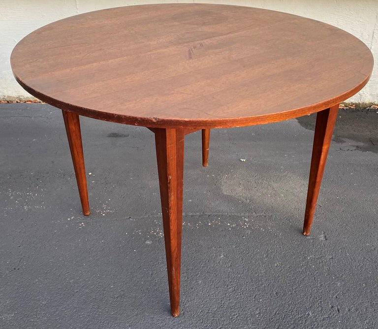 Midcentury Norman Cherner Round Table and 5 Pretzel Bentwood Chairs for Plycraft For Sale 1