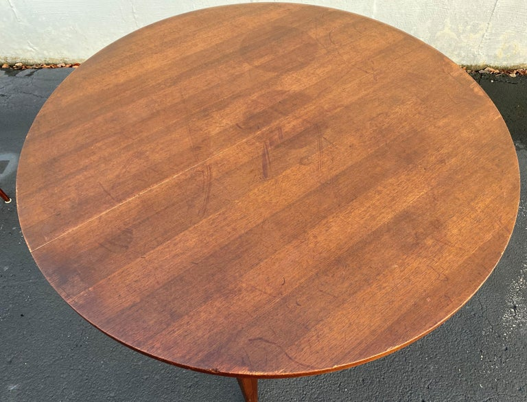 Midcentury Norman Cherner Round Table and 5 Pretzel Bentwood Chairs for Plycraft For Sale 2