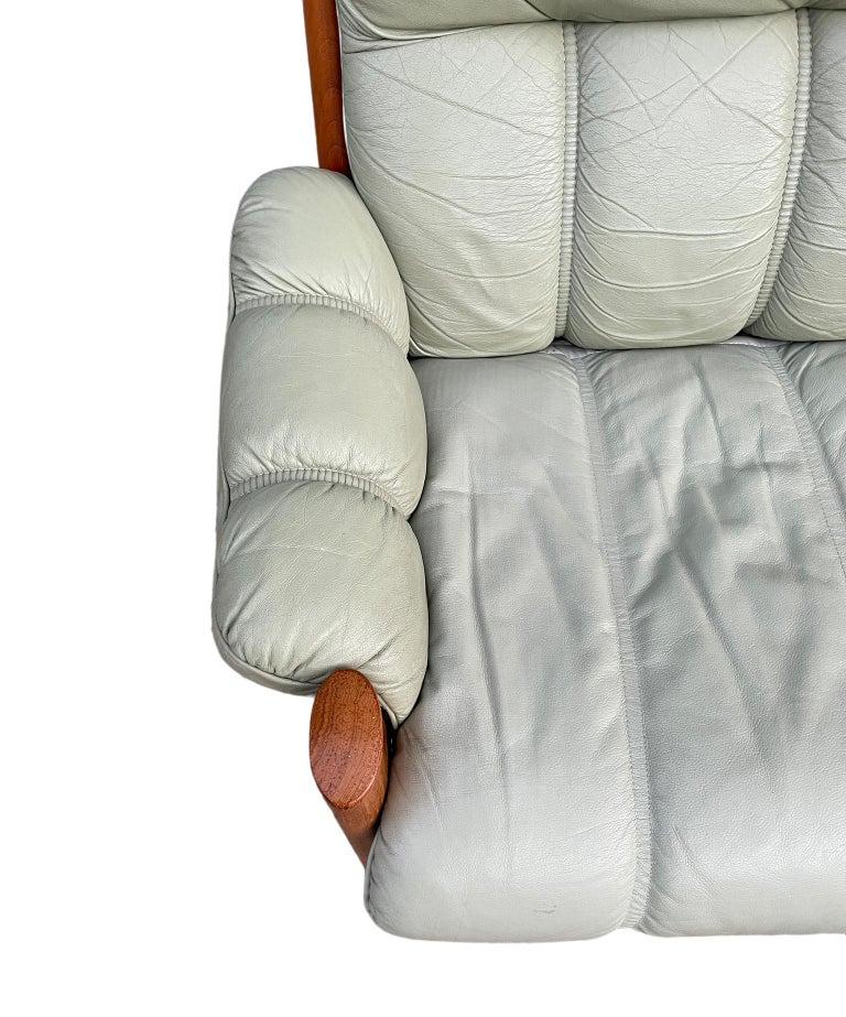 Midcentury Norwegian Modern Ekornes Leather Teak 2 Seater Sofa For Sale 2