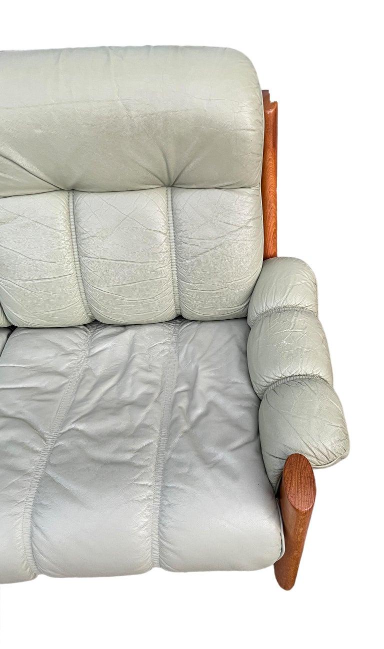 Late 20th Century Midcentury Norwegian Modern Ekornes Leather Teak 3 Seater Sofa For Sale