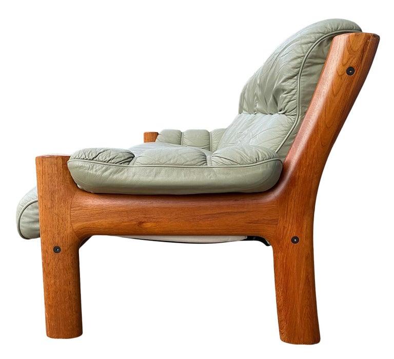 Midcentury Norwegian Modern Ekornes Leather Teak 3 Seater Sofa For Sale 1