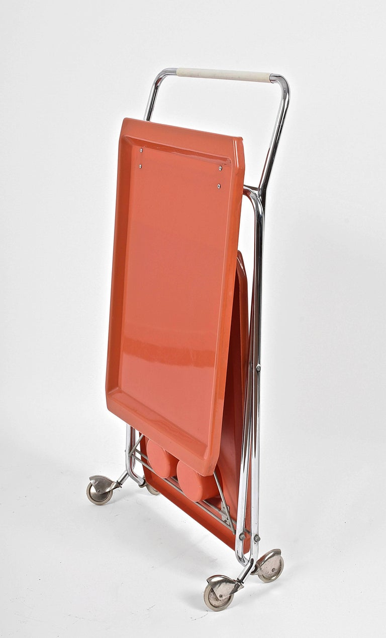 Midcentury Orange Plastic and Chromed Metal Italian Bar Folding Cart, 1950s In Good Condition For Sale In Roma, IT