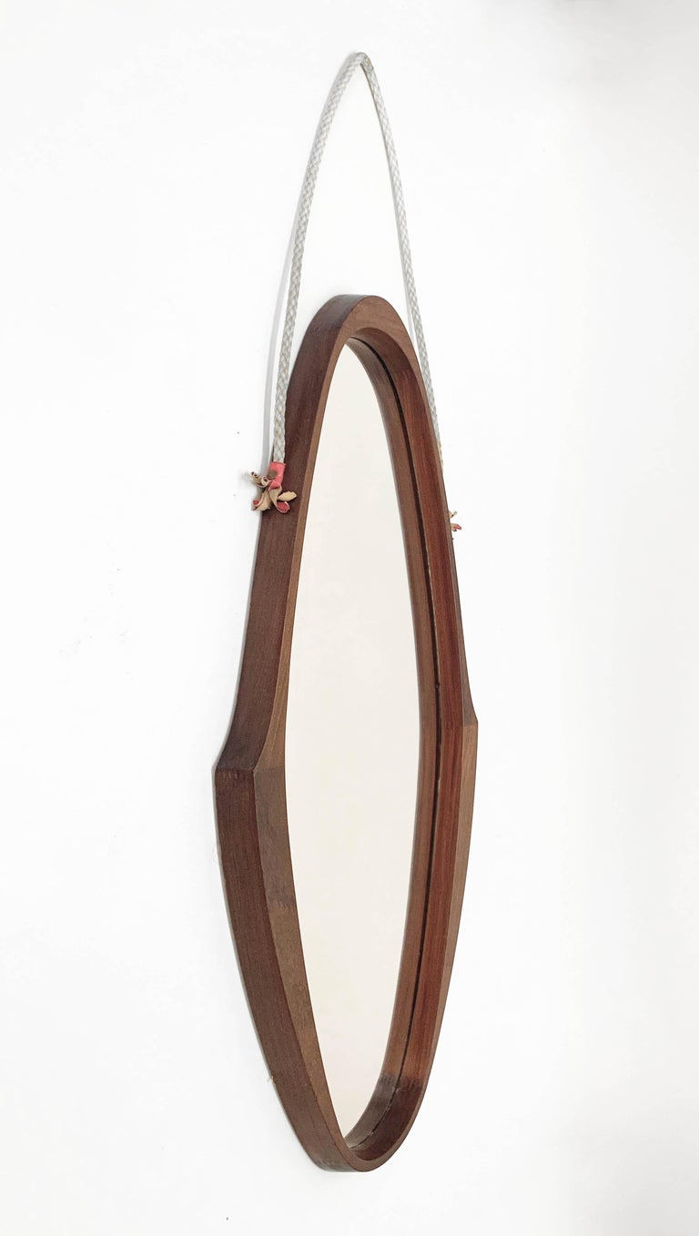 Midcentury Oval Teak, Nylon Rope and Leather Italian Wall Framed Mirror, 1960s For Sale 4