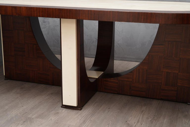Midcentury Oval Zebrano Wood and Goatskin Italian Table, 1950 For Sale 1
