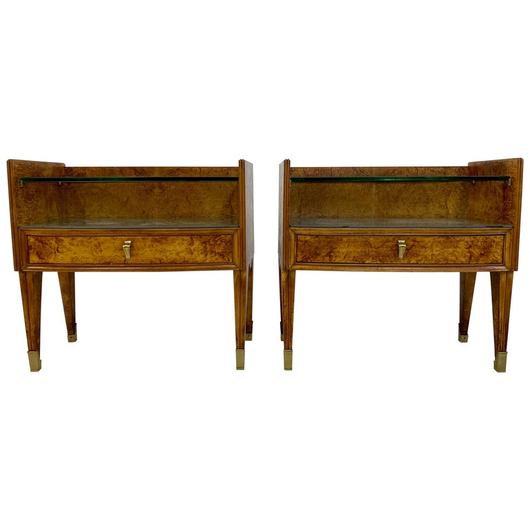 Midcentury Pair of 1950s Italian Bedside Tables in Burl Wood For Sale