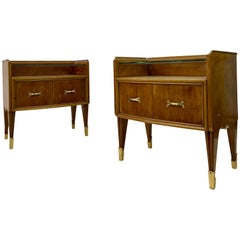 Midcentury Pair of 1950s Italian Bedside Tables or Nightstands in Burl Wood