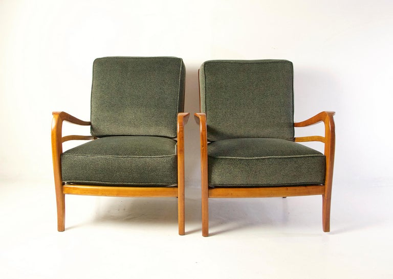 Midcentury Pair of Armchairs in Cherry and Maple by Paolo Buffa, Italy For Sale 4