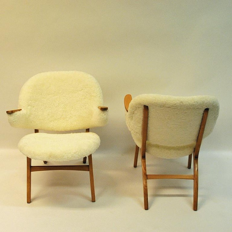 Mid-Century Modern Midcentury Pair of Easy Chairs in White Sheepskin, Solliden Møbler Norway, 1950s For Sale