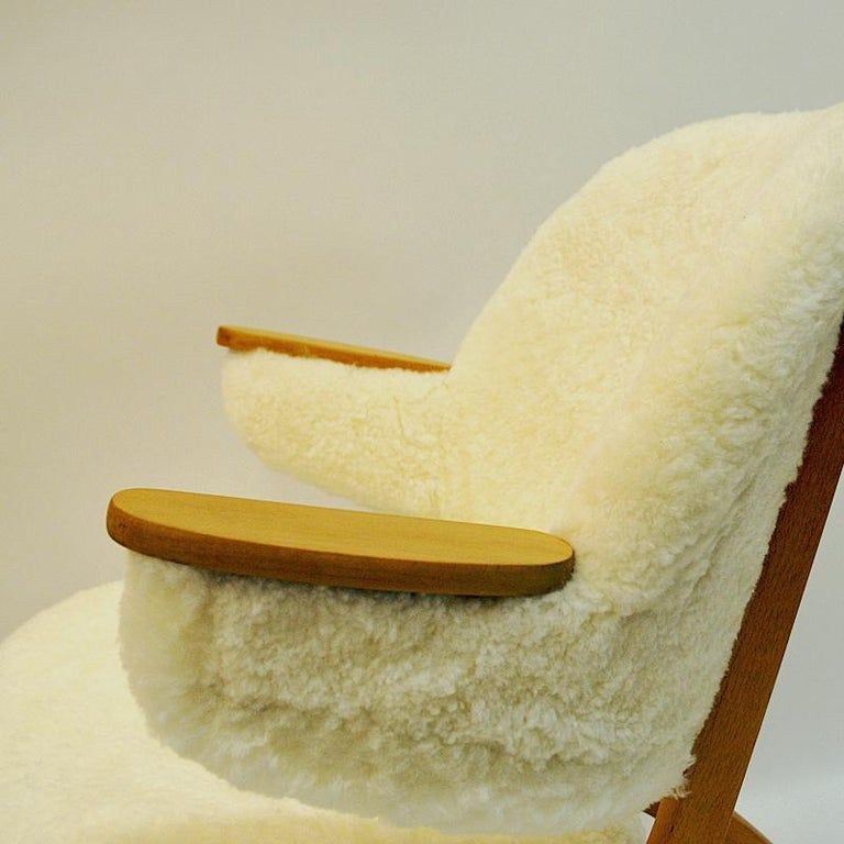 Midcentury Pair of Easy Chairs in White Sheepskin, Solliden Møbler Norway, 1950s For Sale 1