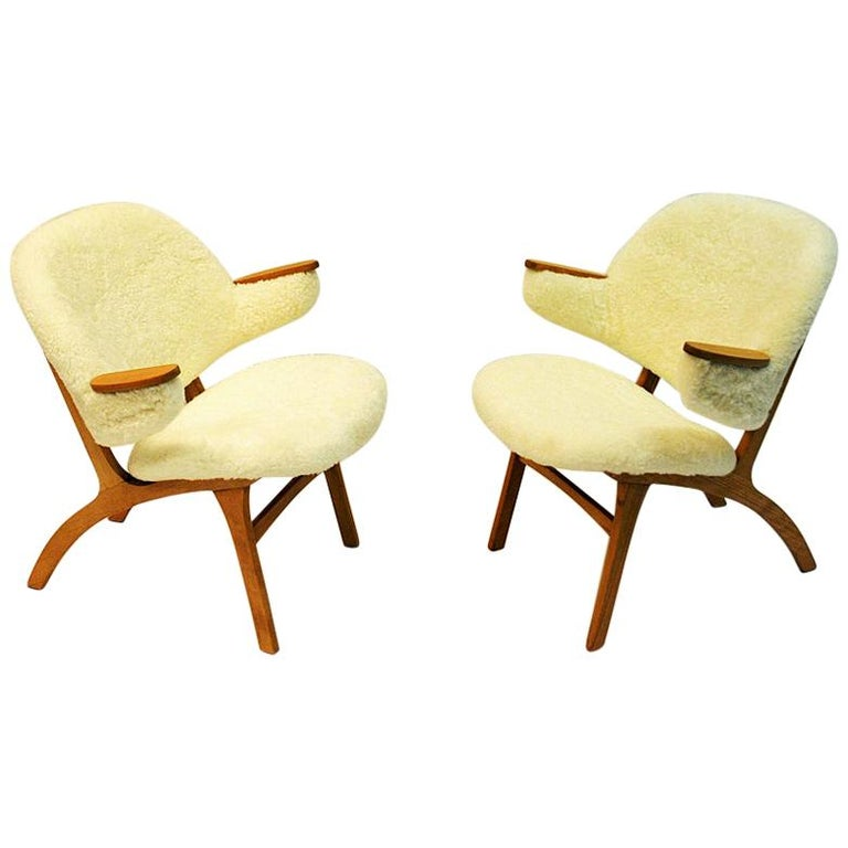 Midcentury Pair of Easy Chairs in White Sheepskin, Solliden Møbler Norway, 1950s For Sale