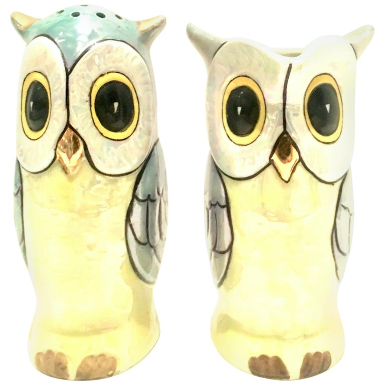 """Midcentury Pair of Porcelain Japanese Luster Ware """"Owl"""" Serving Pieces, Set of 2 For Sale"""