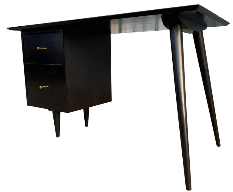 Midcentury Paul McCobb #1560 Double Drawer Desk Black Lacquer Finish Brass In Good Condition For Sale In BROOKLYN, NY