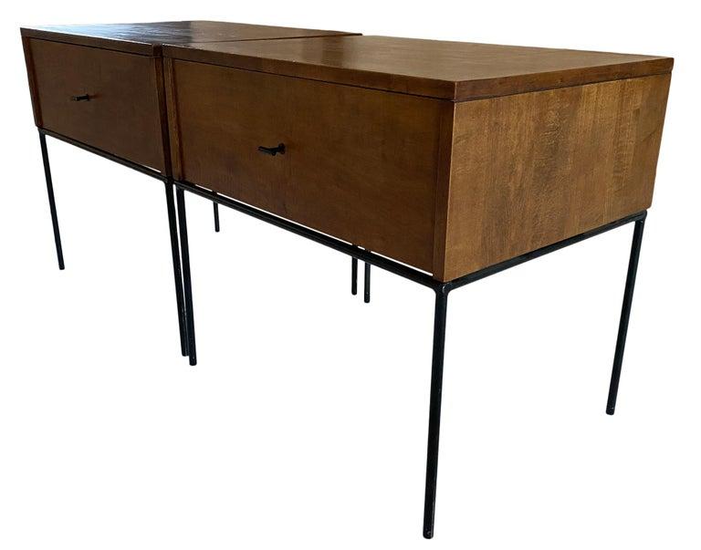 American Midcentury Paul McCobb Single Drawer #1500 Nightstands walnut T Pulls For Sale