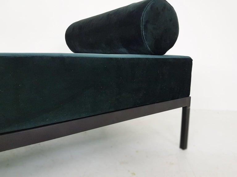 Midcentury Petrol Velvet and Metal Daybed, the Netherlands, 1960s For Sale 3
