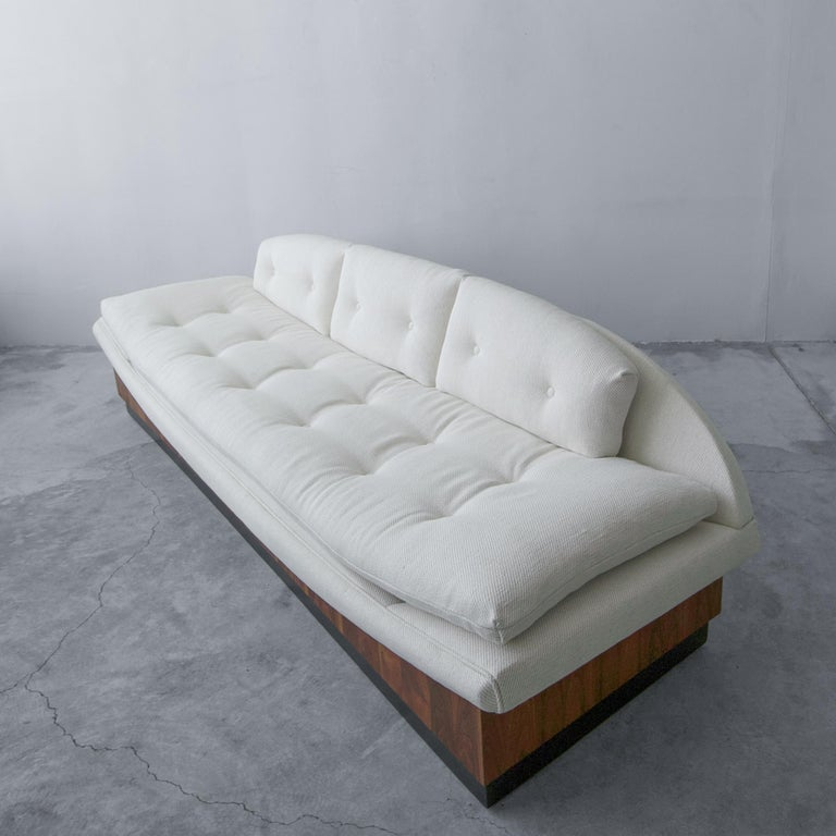 Midcentury Platform Gondola Sofa by Adrian Pearsall In Excellent Condition For Sale In Las Vegas, NV