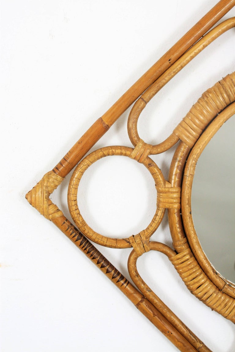 Spanish Modernist Rattan Bamboo Rhombus Mirror with Geometric Decorative Details In Excellent Condition For Sale In Barcelona, ES