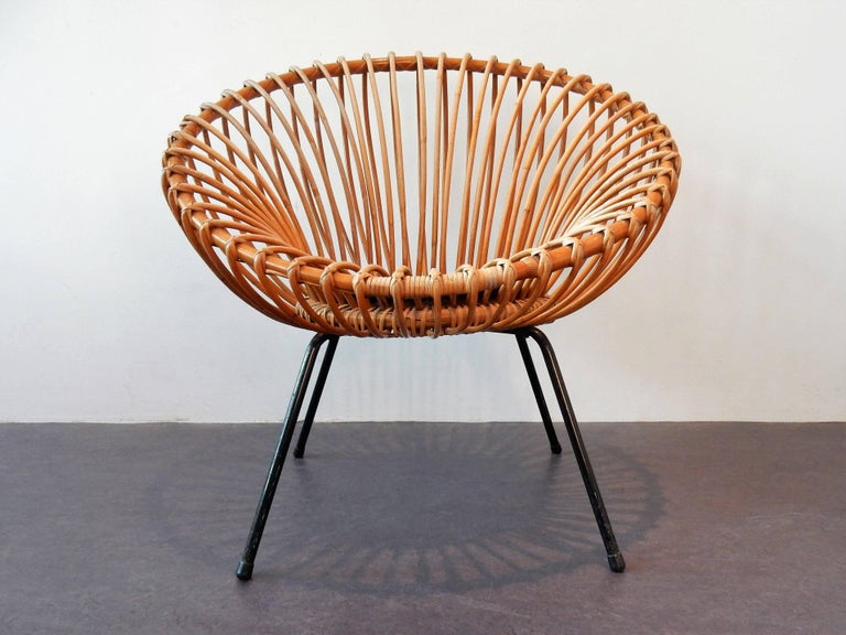 Midcentury Rattan Scoop Chair in the Style of Rohé and Franco Albini In Good Condition In Steenwijk, NL