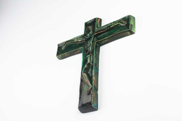 Midcentury Religious European Crucifix, Green, 1970s For Sale 1