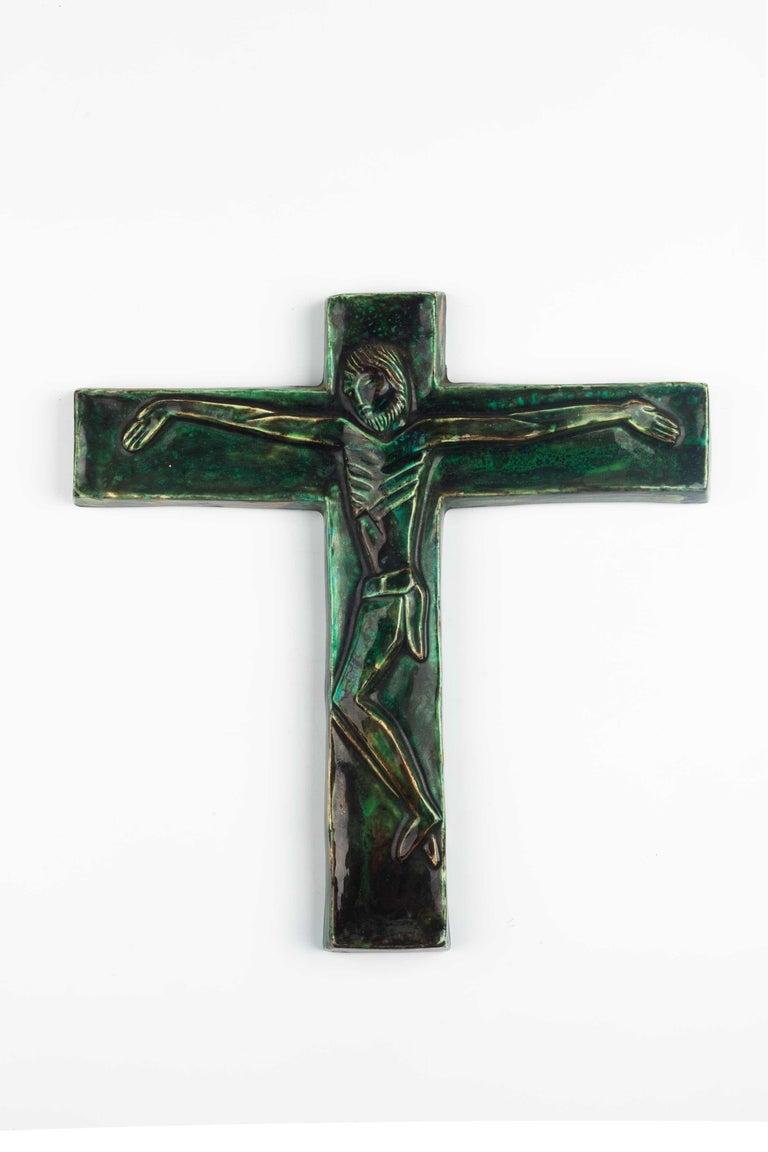 Midcentury Religious European Crucifix, Green, 1970s For Sale 4