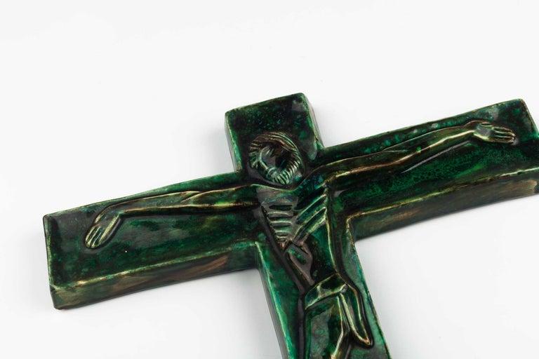 Midcentury Religious European Crucifix, Green, 1970s For Sale 5