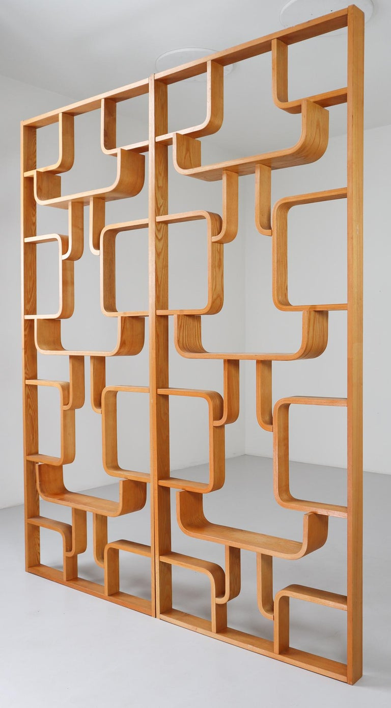 Midcentury Room Divider Shelves in Blond Bent-Wood, Praque, 1960s For Sale 1