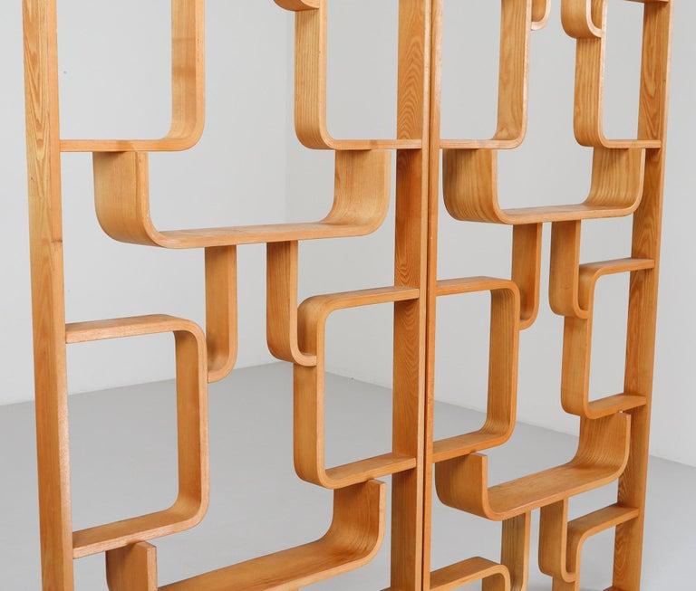 Midcentury Room Divider Shelves in Blond Bent-Wood, Praque, 1960s For Sale 2