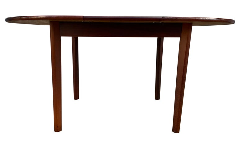 Midcentury Rosewood Expandable Round Dining Table with 1 Nesting Leaf For Sale 5