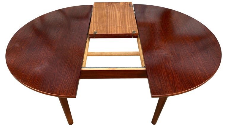 Midcentury Rosewood Expandable Round Dining Table with 1 Nesting Leaf For Sale 2
