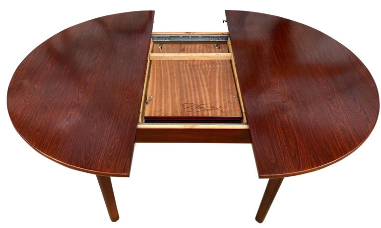 Midcentury Rosewood Expandable Round Dining Table with 1 Nesting Leaf For Sale 3