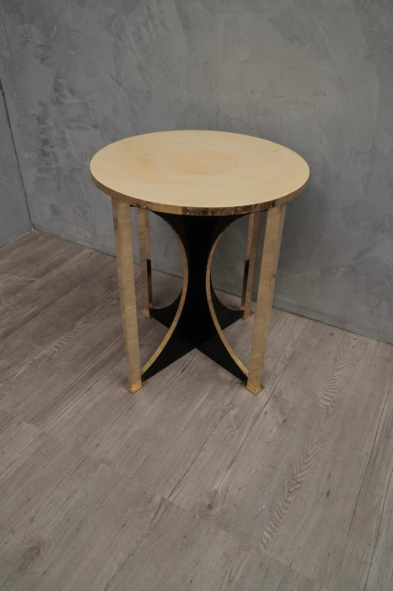 Midcentury Round Goat Skin and Brass Side Table, 1960 In Good Condition For Sale In Rome, IT