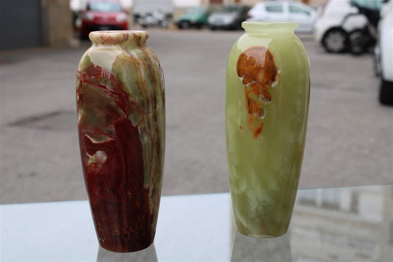 Midcentury round onix vases in Italian design marble 1950s green Mangiarotti.