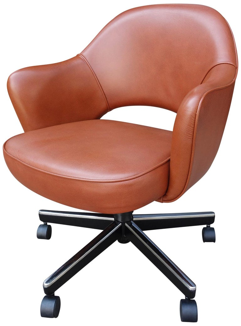 Mid-Century Modern Midcentury Saarinen Executive Chairs for Knoll For Sale