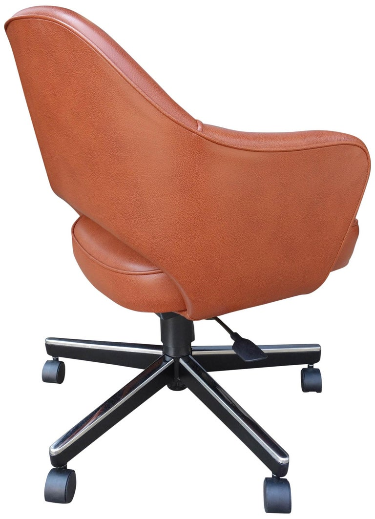 20th Century Midcentury Saarinen Executive Chairs for Knoll For Sale